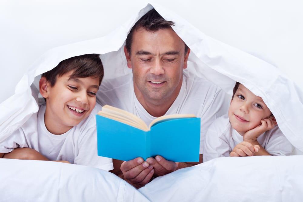 läsa för barn, varför är det bra att läsa, barn, familj, bok, böcker, hälsa, bra hälsa, barns utveckling, bättre hälsa, må bra