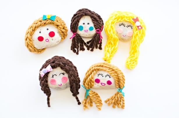 Roligt pyssel för barn – gör söta dockansikten av stenar
