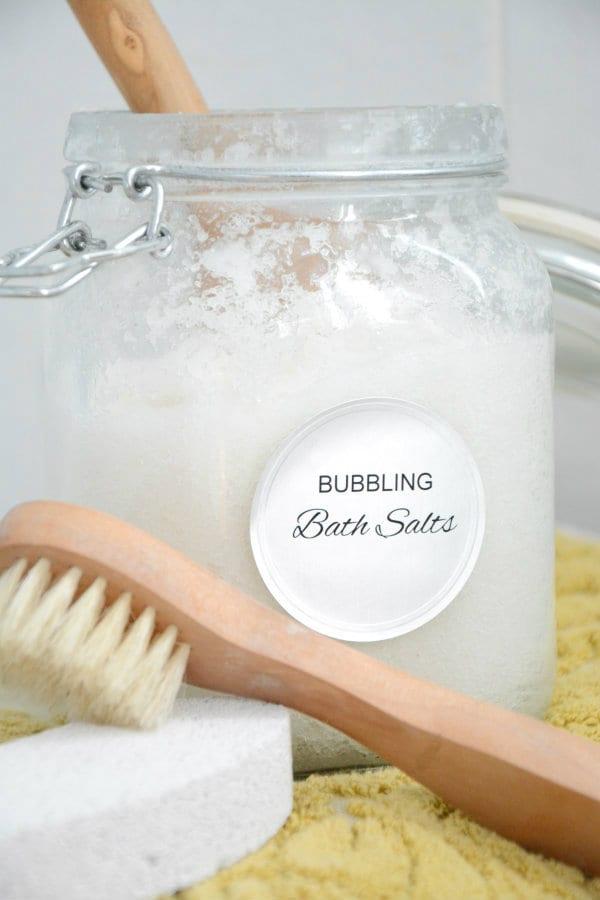 Pysseltips – gör ditt eget bubblande badsalt på några minuter