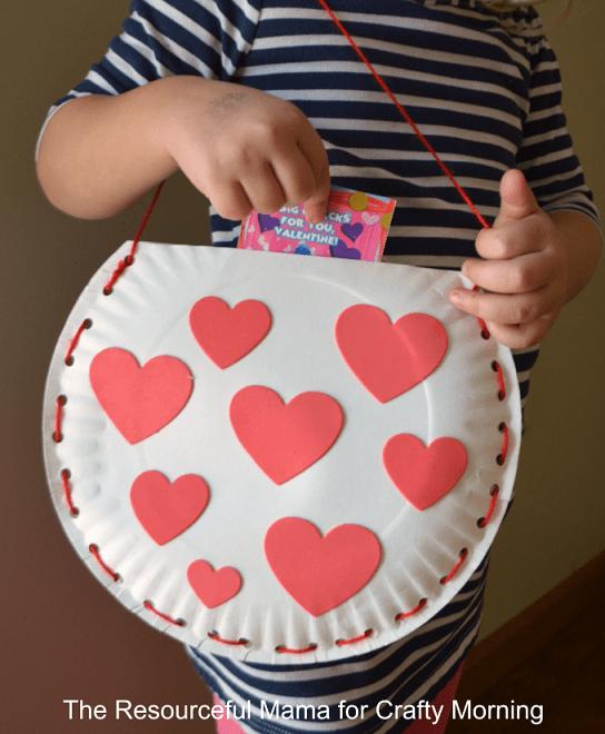 pyssel, pysseltips, pyssla, skapa, barnpyssel, pyssel för barn, papperstallrik, handväska, väska, handväska för barn