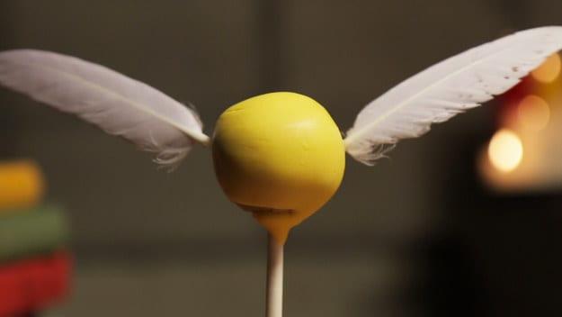 Cake pops för quidditchälskare. De är formade som gyllene kvicken