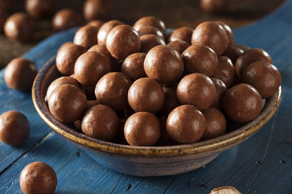 julgodis, godis, recept, julbak, mandel, mandelmassa, marsipan, mozartkula, mozartkulor, kakao, nougat