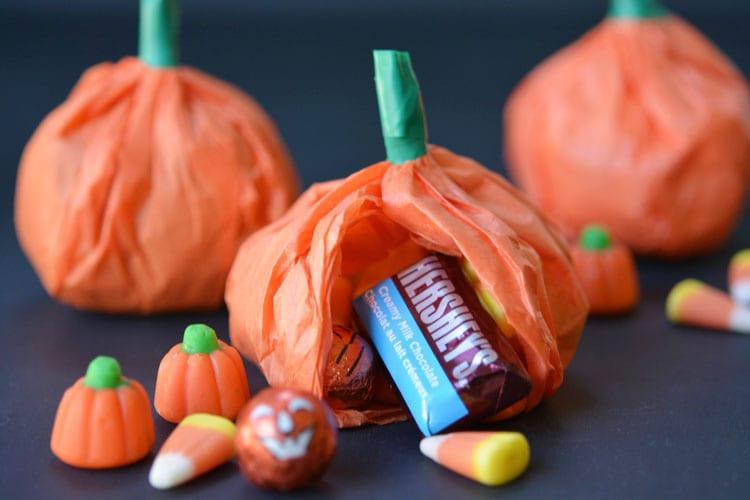 pyssel, pyssla, pysseltips, pysselidé, skapa, barnpyssel, familjepyssel, pyssel för barn, bättre hälsa, bra hälsa, må bra, kreativitet, skapande, skaparglädje, Halloween, halloweenpyssel, pumpa, pumpor, halloweengodis, godis, godispåse