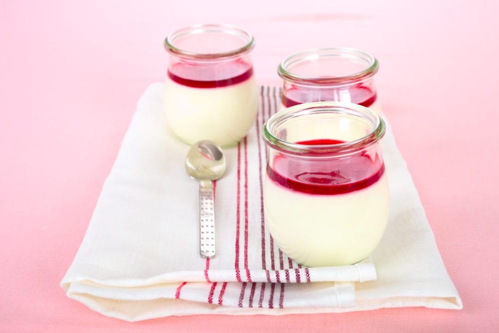 recept, efterrätt, dessert, pannacotta, vanilj, hallon, hallonkompott