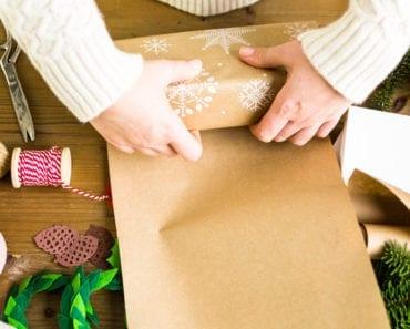 slå in paket, paketinslagning, presentinslagning, julklappar, göra julklappar, kronisk smärta, leva med värk, smärta, värk, värk i händerna, smärta i händerna, kronisk sjukdom, kroniska sjukdomar, muskelvärk, ledvärk, jul, presenter, gåvor