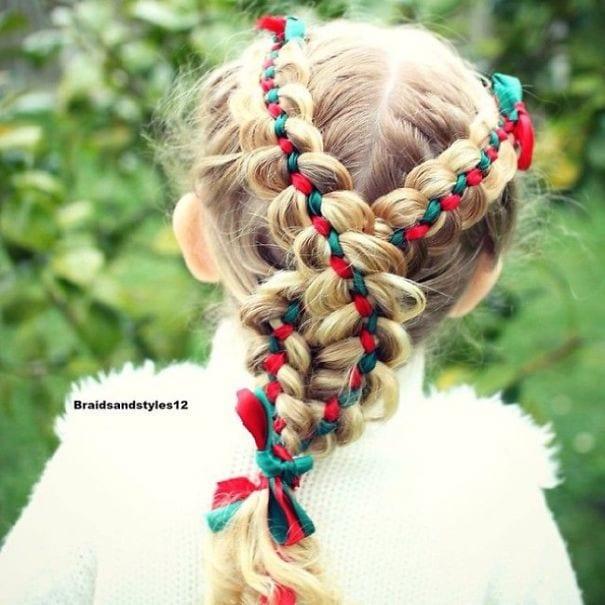 mode, skönhet, julpyssel, jul, julen, julfrisyr, frisyr, frisyrer, julfin, fin i håret, fixa håret, inspiration, hårinspiration, pyssel, kreativitet, snygga frisyrer, styla håret, fläta, band, svår fläta, avancerad fläta, fläta med band