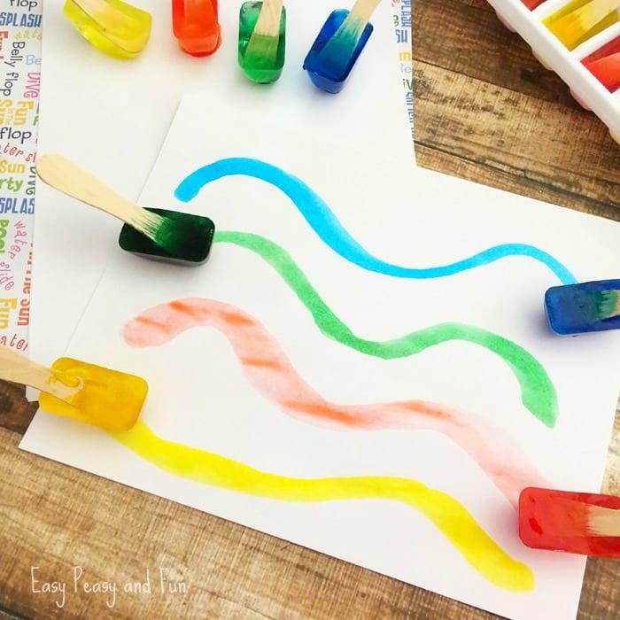 pyssel, pysseltips, pysselidé, inspiration, kreativitet, skapa, skapande, barns skapande, vinter, vinterpyssel, pyssla, pyssel för barn, barnpyssel, pyssel för skola, pyssel för förskola, familjepyssel, färg, målarfärg, göra egen färg, göra egen målarfärg, isfärg, göra färg av is, göra färg av hushållsfärg, måla, skapande för de allra minsta, måla med is
