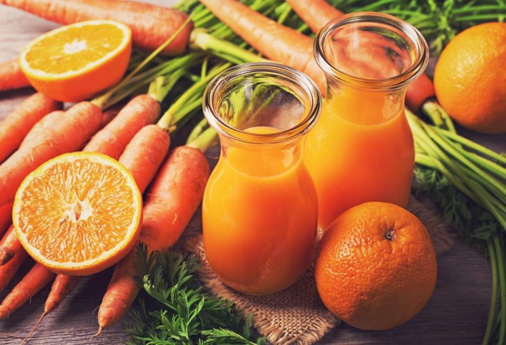 recept, juicing, hälsodryck, grön dryck, smoothie, juice, morotsjuice, apelsinjuice, tomatjuice, gul tomat, apelsin, morot, morötter