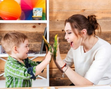 barn, förälder, familj, lek, lekkompetens, fritid, meningsfull fritid, aktiviteter, fritidsaktiviteter, för många aktiviteter, psykologi