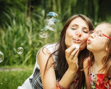 göra såpbubblor, såpbubbla, såpbubblor, recept, jättestora såpbubblor, gigantiska, hållbara, sega