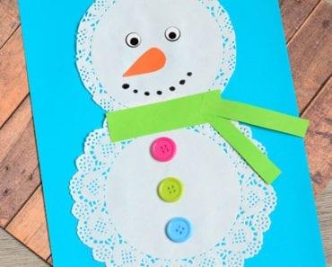 pyssel, pysseltips, pysselidé, inspiration, kreativitet, skapa, skapande, barns skapande, vinter, vinterpyssel, pyssla, pyssel för barn, barnpyssel, pyssel för skola, pyssel för förskola, familjepyssel, tårtpapper, snögubbe, snögubbar, snögubbe i papper, papperspyssel, pyssla med papper,
