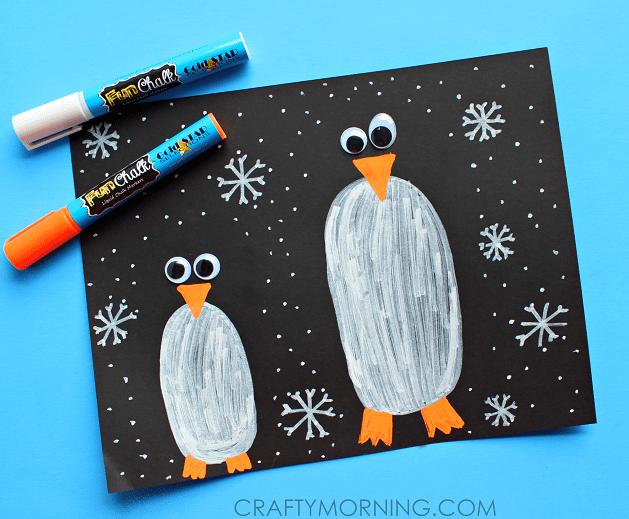 pyssel, pysseltips, pysselidé, inspiration, kreativitet, skapa, skapande, barns skapande, vinter, vinterpyssel, pyssla, pyssel för barn, barnpyssel, pyssel för skola, pyssel för förskola, familjepyssel, pingvin, pingvinpyssel, krita, måla, rita, griffel, svarta tavlan, rita pingviner