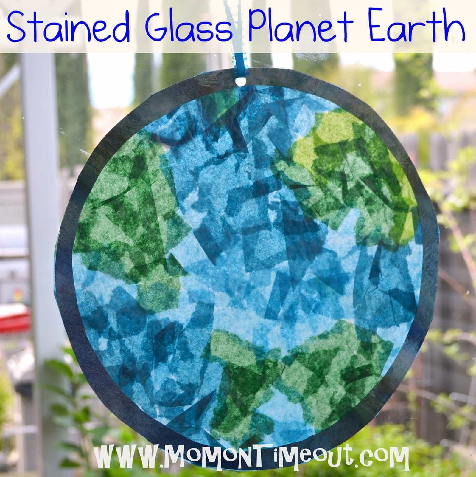 pyssel, pysseltips, pysselidé, barnpyssel, pyssel för barn, rymden, planeter, jorden, tellus, silkespapper, papperspyssel, glasmosaiker