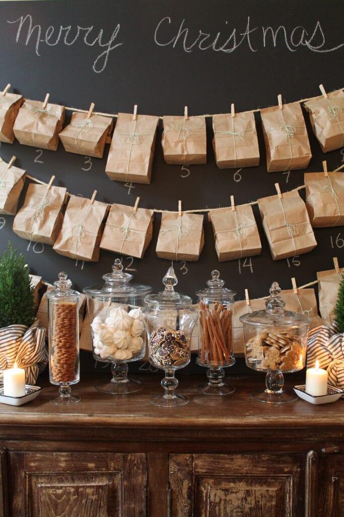 julpyssel, adventspyssel, jul, advent, pyssel, pysseltips, DIY, adventskalender, papperspåse, papperspåsar, klädnypa, klädnypor, snöre