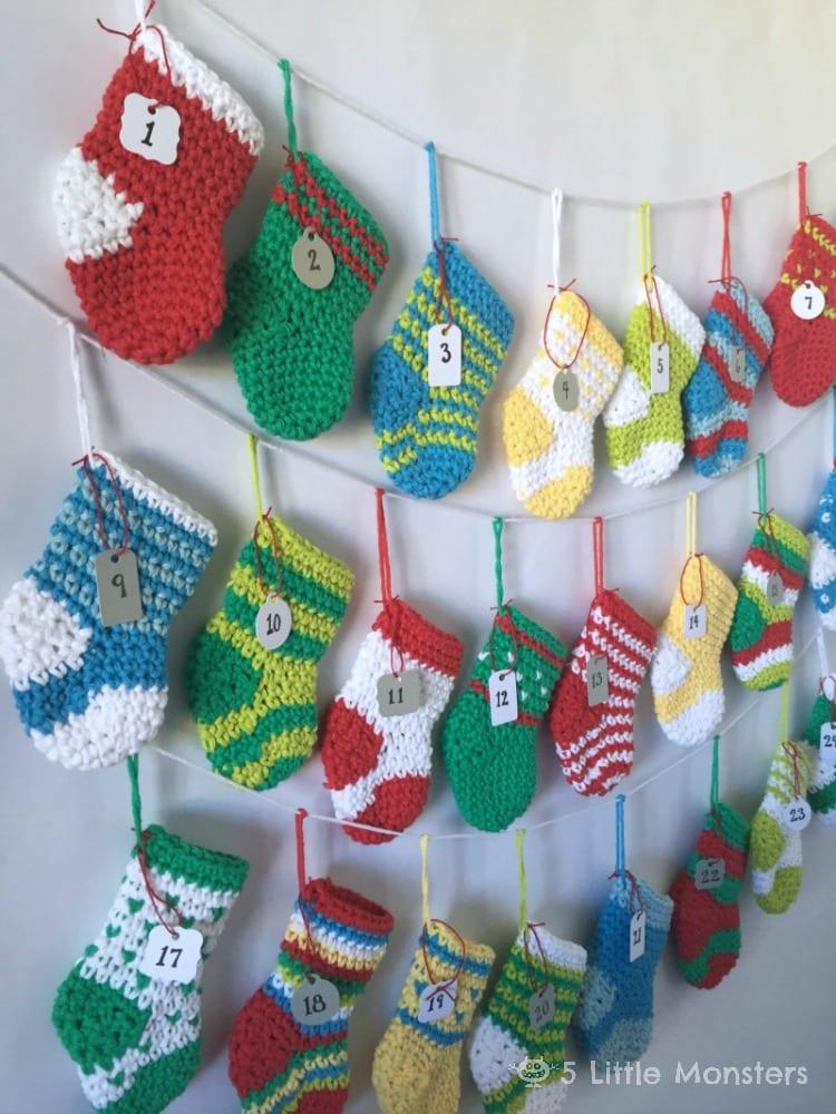 julpyssel, adventspyssel, jul, advent, pyssel, pysseltips, DIY, adventskalender, virka, mönster, virkmönster, julstrumpa, julstrumpor