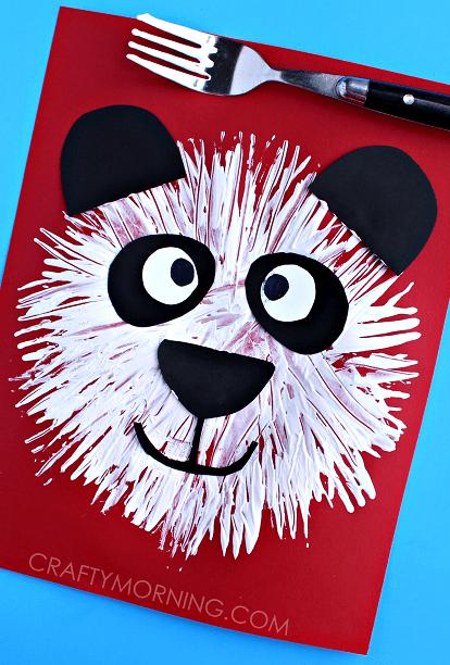 pyssel, pysseltips, pysselidé, barnpyssel, pyssel för barn, måla med gaffel, målartekniker, målarfärg, hobbyfärg, panda, pandabjörn
