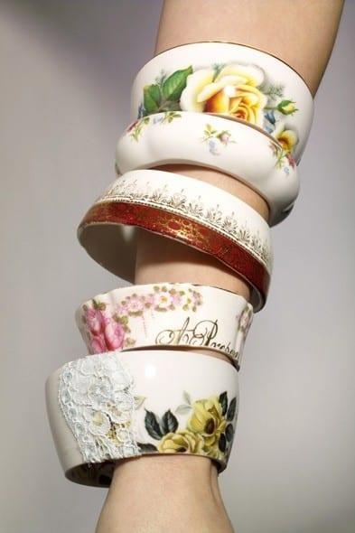 pyssel, diy, hem, inredning, remake, loppisfynd, gamla kaffekoppar, gamla tekoppar, pyssla med koppar, armband av tekoppar, smycken, smycketillverkning, smycken av porslin