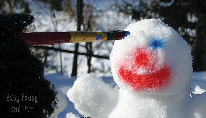 barn, barnlekar, lekar för barn, utomhuslek, leka ute, leka i snön, skapa, pyssel, barnpyssel, kreativa lekar, snölekar, bygga snögubbe, måla på snögubbe