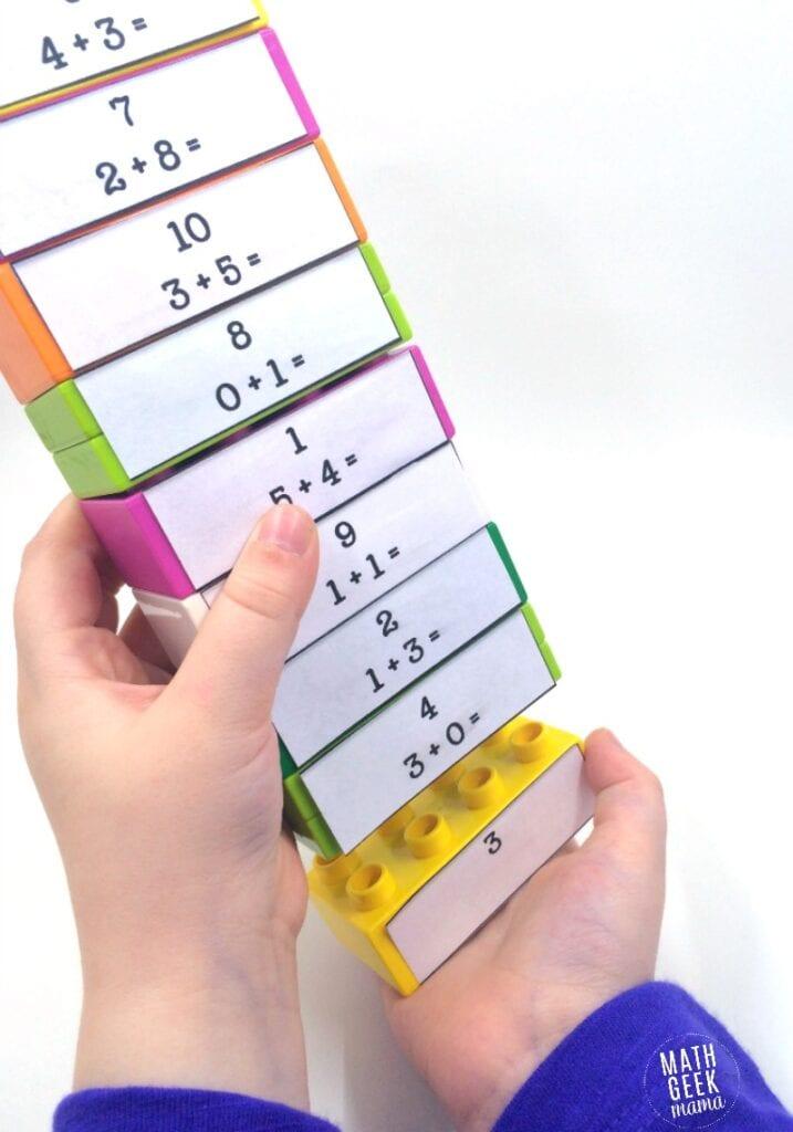 aktiviteter för barn, barnaktiviteter, pyssla och lek, knep och knåp, lektioner, skola, lektionstips, förskola, mattepyssel, matematik, lära sig räkna, lära sig matte, LEGO Duplo, mattepussel