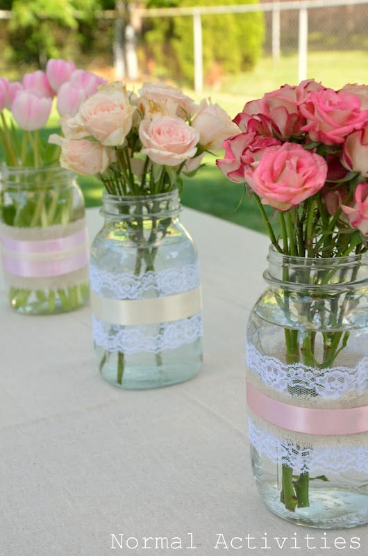 bordsdukning, duka bordet, blomsterarrangemang, blomarrangemang
