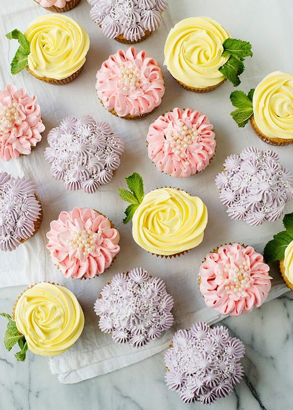 cupcakes, muffins, spritsa blommor