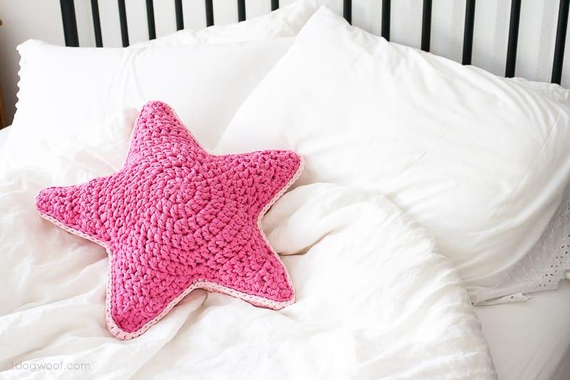 virkmönster, prydnadskudde, kudde, stjärna, stjärnformad kudde