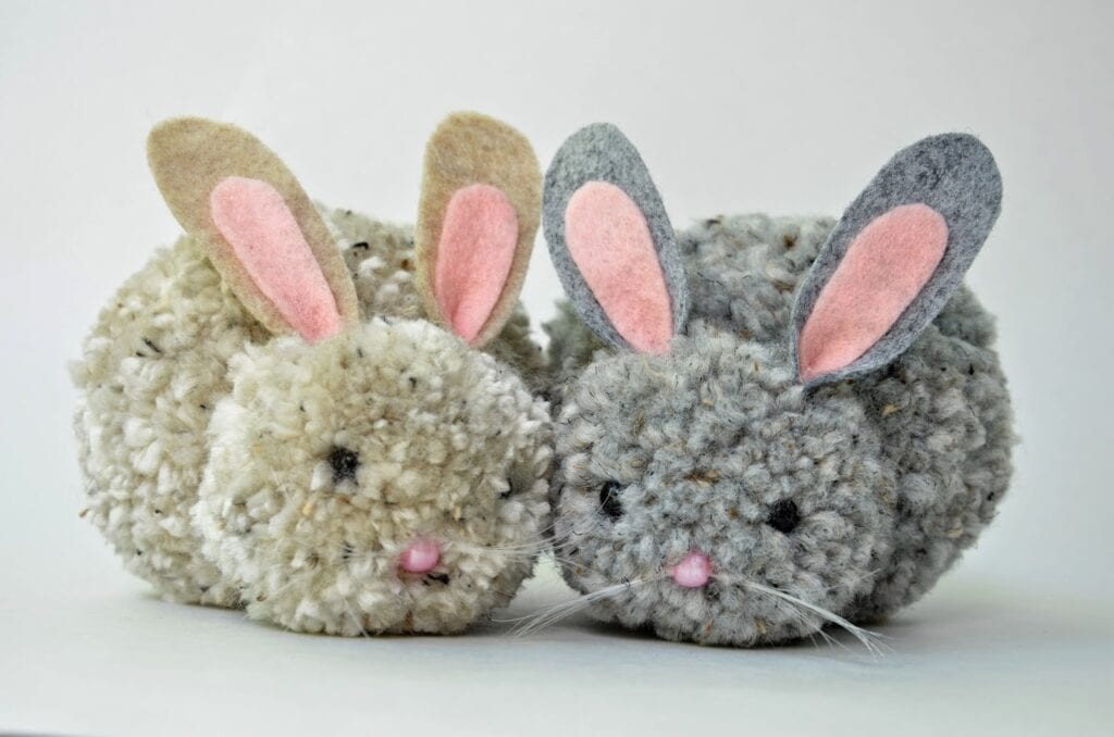 Barnpyssel, kaniner av garnbollar