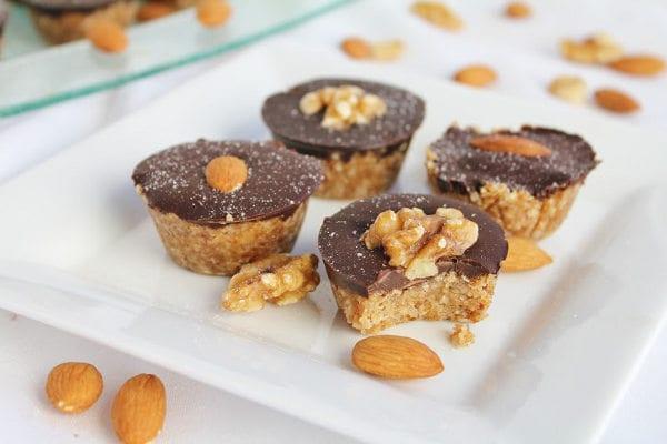 Recept på veganskt jordnöts- och chokladgodis – nyttigt och gott!