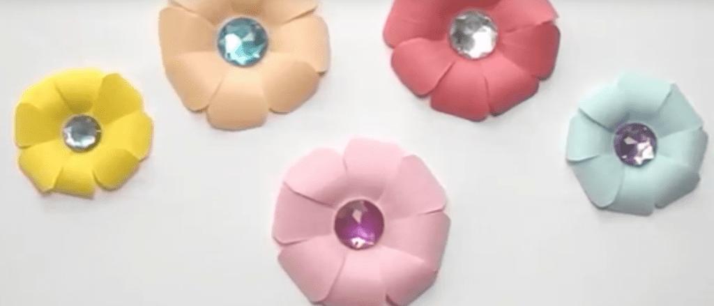 pyssel, pyssla, skapa, pysseltips, DIY, blommor, pappersblommor, blommor i papper