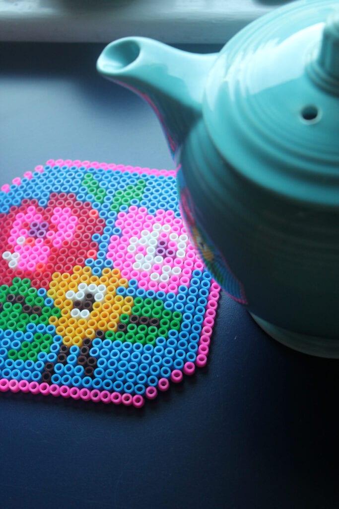 pärlor, pärlplatta, pyssel, pysseltips, mönster, blommor