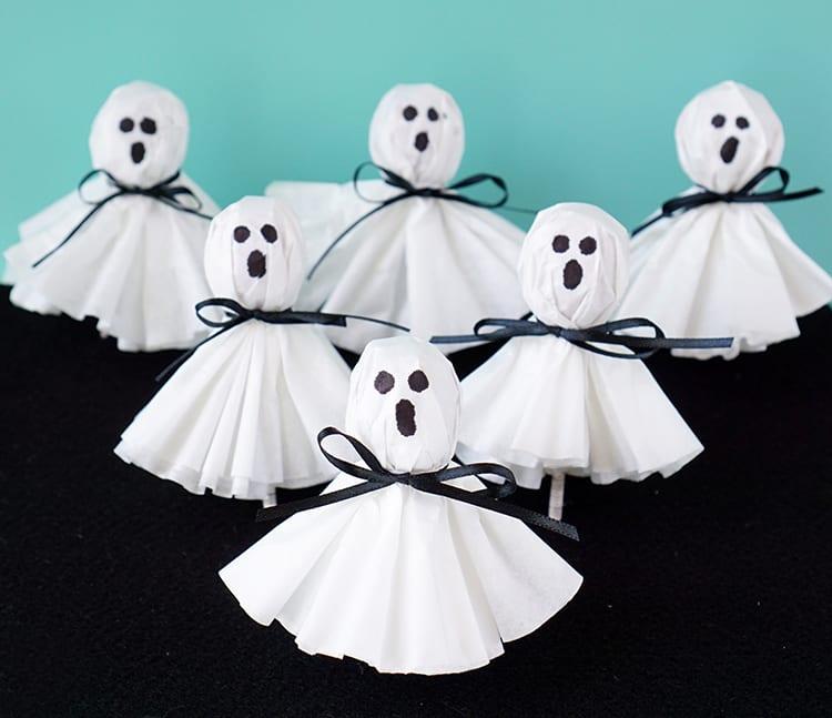 pyssel, pyssla, pysseltips, pysselidé, skapa, barnpyssel, familjepyssel, pyssel för barn, bättre hälsa, bra hälsa, må bra, kreativitet, skapande, skaparglädje, Halloween, halloweenpyssel, halloweengodis, godis, klubba, spöke, halloweenspöke, spökklubba