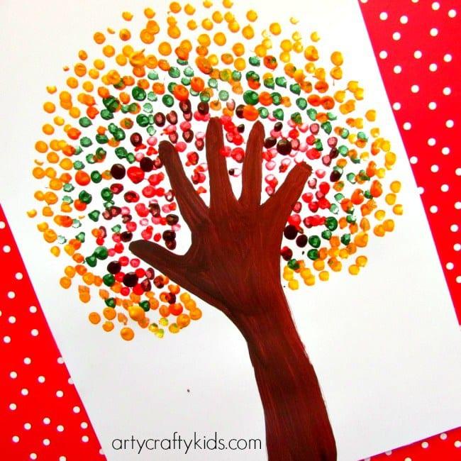 barnpyssel, pyssel för barn, handavtryck, fingeravtryck, höstpyssel, måla, färg, målarfärg, skapa, skola, fritids, familjepyssel, pyssel, pyssla, pysseltips, pysselidé, höstträd, bättre hälsa, bra hälsa, må bra, välmående