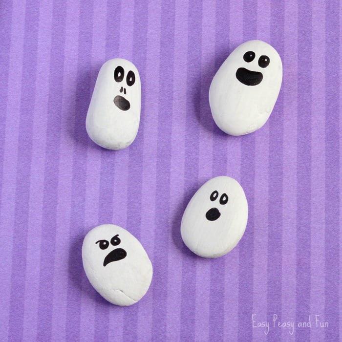 pyssel, pyssla, pysseltips, pysselidé, skapa, barnpyssel, familjepyssel, pyssel för barn, bättre hälsa, bra hälsa, må bra, kreativitet, skapande, skaparglädje, Halloween, halloweenpyssel, spöken, spöke, hallowenspöken, måla på sten, stenar, målarfärg