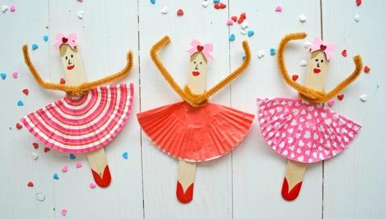 barnpyssel, pyssel för barn, pyssel, pysseltips, pysselidé, återbruk, glasspinnar, bakformar, cupcakeformar, ballerina, ballerinor, familjepyssel, pyssel för skola, pyssel för fritids