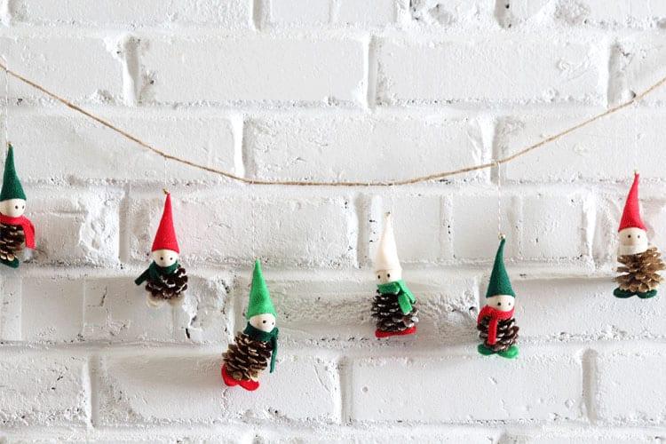 pyssel, pyssla, pysseltips, pysselidé, skapa, barnpyssel, familjepyssel, pyssel för barn, bättre hälsa, bra hälsa, må bra, kreativitet, skapande, skaparglädje, jul, julen, pyssel inför jul, julpyssel, tomte, tomtenisse, nissar, kotte, kottar, tomtekotte, pyssel med kottar