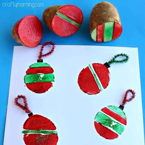 pyssel, pyssla, pysseltips, pysselidé, skapa, barnpyssel, familjepyssel, pyssel för barn, bättre hälsa, bra hälsa, må bra, kreativitet, skapande, skaparglädje, jul, julen, pyssel inför jul, julpyssel, julgranskula, julgranskulor, ornament, tryck, stämpel, stämplar, potatis, potatistryck