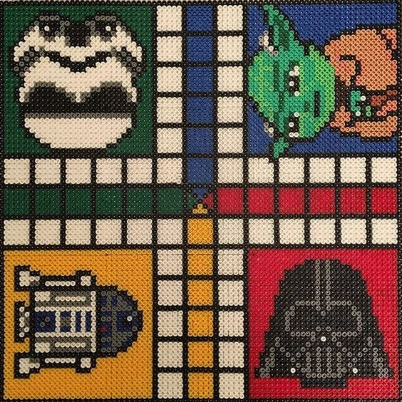 hama, hama pärlor, pärla, pärlor, Star Wars, mönster, pärlplattemönster, jedi, lasersvärd, svärd, pärlplatta, pärlplattor, pärla på pärlplattor, Fia med knuff, spel, brädspel, Yoda, Stormtrooper, Darth Vader, R2-D2