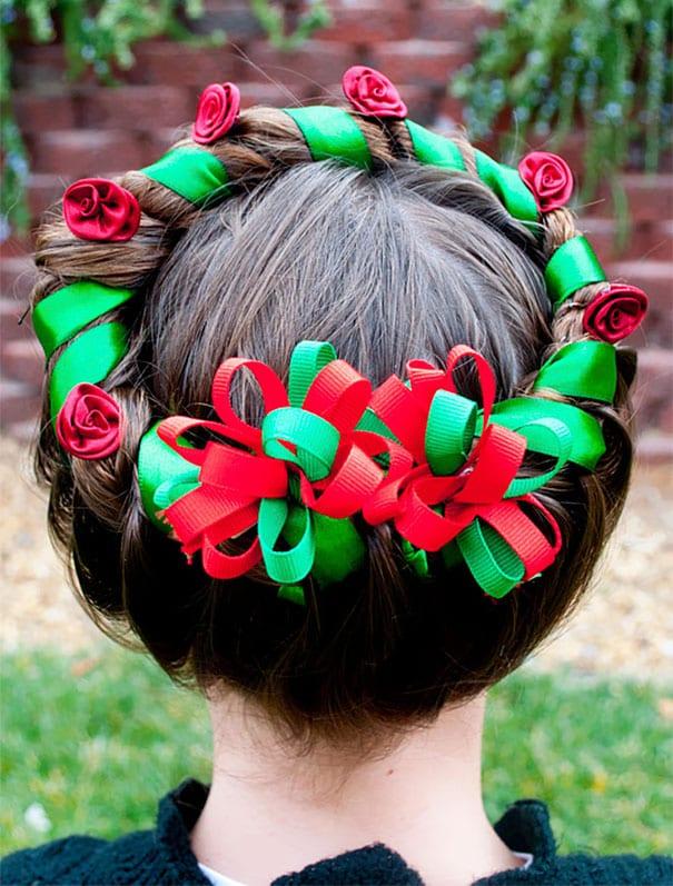 mode, skönhet, julpyssel, jul, julen, julfrisyr, frisyr, frisyrer, julfin, fin i håret, fixa håret, inspiration, hårinspiration, pyssel, kreativitet, snygga frisyrer, styla håret, fläta, julkrans, krans, band, sidenband, band i året, fläta håret till en krans