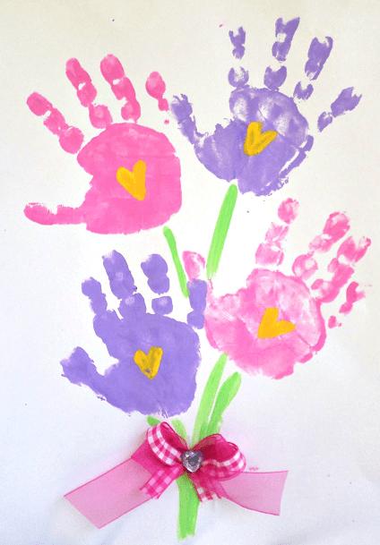 pyssel, pyssla, pysseltips, pysselidéer, barn, barnpyssel, pyssel för barn, enkelt pyssel, avtryck, handavtryck, skola, förskola, fritids, skapa, skapande, kreativitet, bukett med blommor, blombukett, blomma, blommor