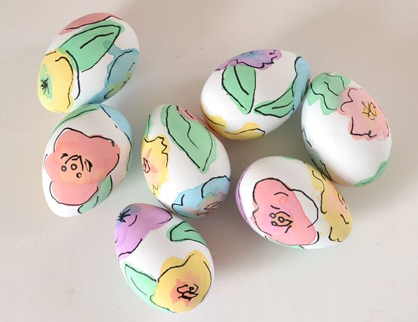 påsk, påskpyssel, pyssel, pysseltips, pysselidéer, måla ägg, påskägg, blommor, blomma, vattenfärg