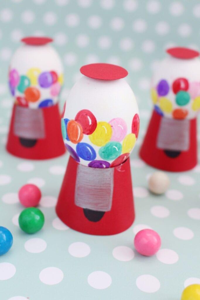påsk, påskpyssel, pyssel, pysseltips, pysselidéer, måla ägg, godis, maskin, tuggummi, godismaskin