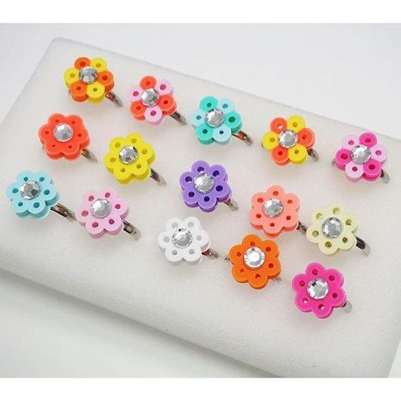 pyssel, pyssla, pysseltips, pysselidé, skapa, smycken, göra smycken, pärla, pärlor, rörpärlor, HAMA, pärlplatta, pärlplattor, mönster, pärlplattemönster, ring, blomma, blommor,