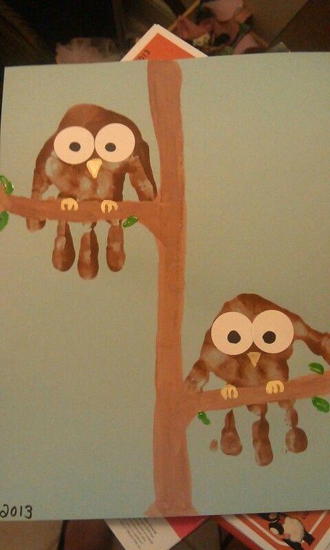 pyssel, pysseltips, pysselidé, barnpyssel, pyssel för barn, uggla, ugglor, handavtryck, avtryck, måla, målarfärg, hobbyfärg