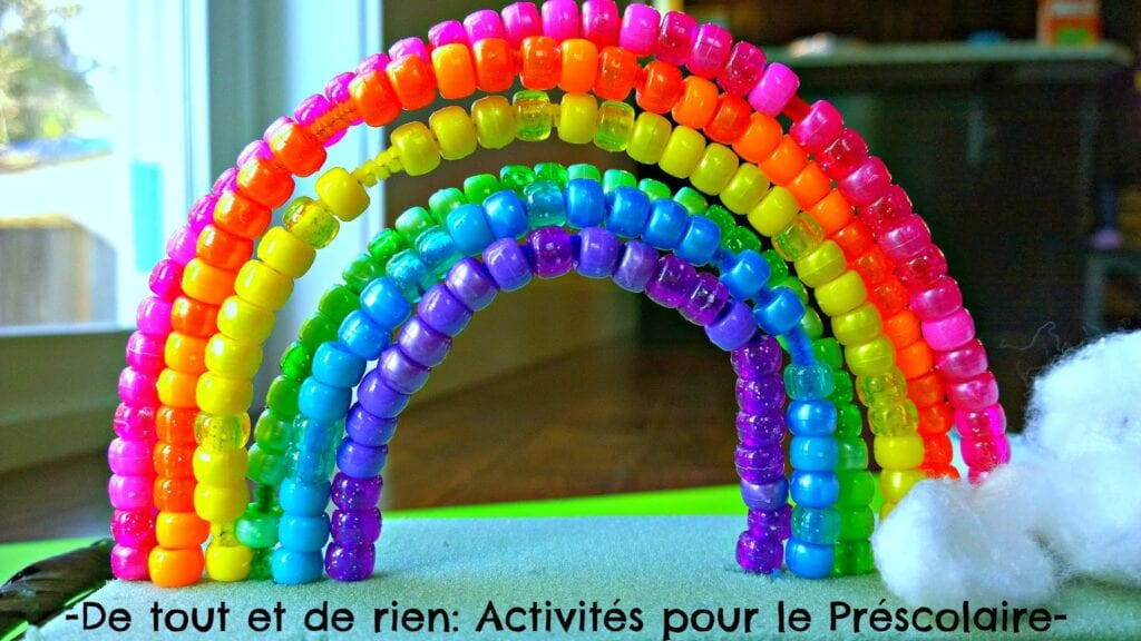 pyssel, barnpyssel, pyssel för barn, aktiviteter, regnbåge, regnbågar, regnbågspyssel, pärla, pärlor, pärlpyssel, piprensare, pyssla med piprensare