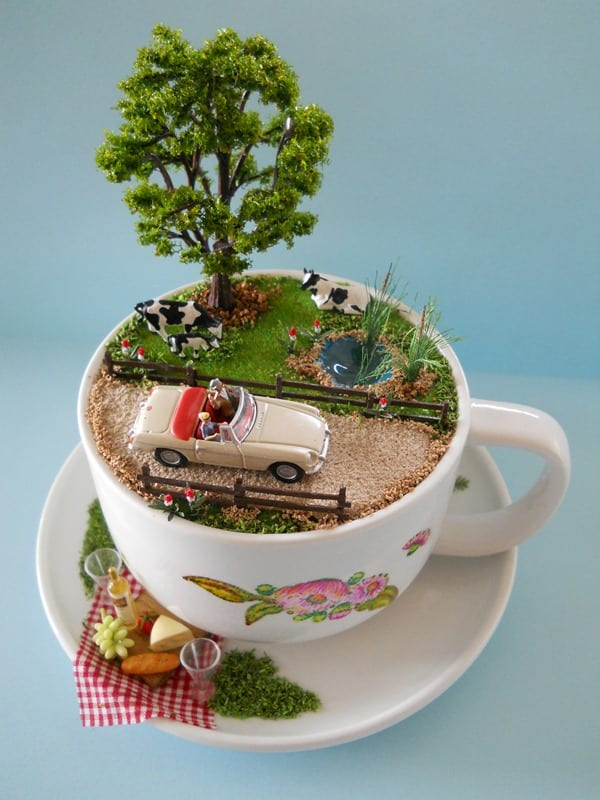pyssel, diy, hem, inredning, remake, loppisfynd, gamla kaffekoppar, gamla tekoppar, pyssla med koppar, miniatyrer, miniatyrvärld