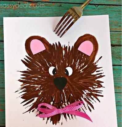 pyssel, pysseltips, pysselidé, barnpyssel, pyssel för barn, måla med gaffel, målartekniker, målarfärg, hobbyfärg, björn, nallebjörn, teddybjörn