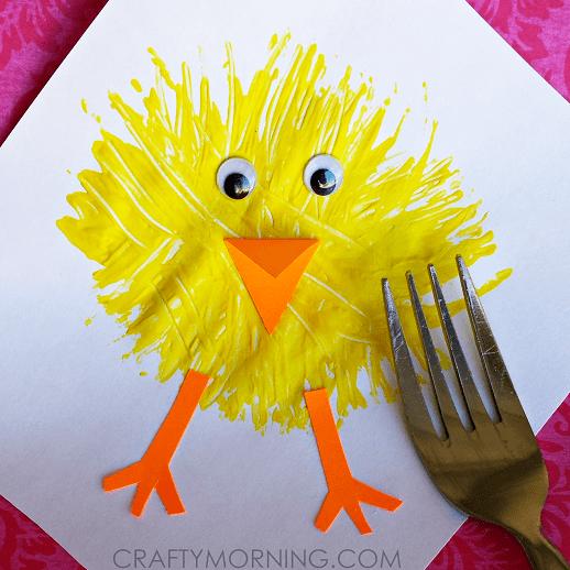 pyssel, pysseltips, pysselidé, barnpyssel, pyssel för barn, måla med gaffel, målartekniker, målarfärg, hobbyfärg, kyckling