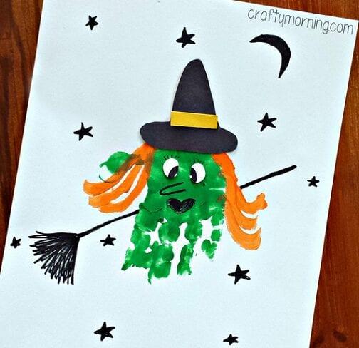 pyssel, pysseltips, pysselidé, barnpyssel, pyssel för barn, halloween, halloweenpyssel, skapa, häxa, halloweenhäxa, handavtryck, måla, målarfärg, måla med händerna