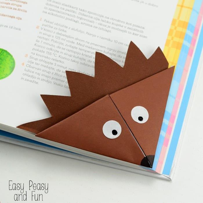 pyssel, pysseltips, pysselidé, barnpyssel, pyssel för barn, origami, vika papper, vika bokmärke, vika hörnbokmärke, igelkott