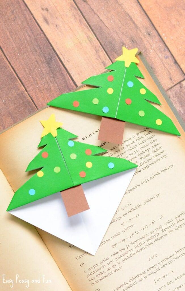 pyssel, pysseltips, pysselidé, barnpyssel, pyssel för barn, origami, vika papper, vika bokmärke, vika hörnbokmärke, julgran